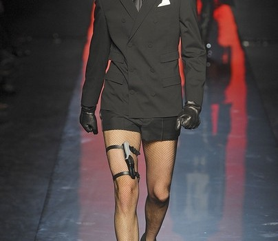 Jean-Paul-Gaultier-A-I-2011-2012-012_main_image_defile