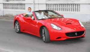 Milano city tour in Ferrari