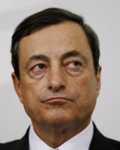 """Il nostro """"severo papà"""" Mario Draghi, governatore della BCE"""