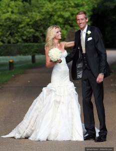 Peter Crouch the robot e Abbey Clancy sposi