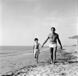 Walter Chiari e il figlio in Il giovedì di Dino Risi