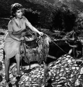 Gina Lollobrigida entra in scena in Pane, amore e fantasia
