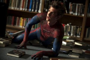 Andrew-Garfield-in-The-Amazing-Spider-Man-library-stan-lee-cameo