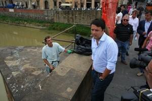 Matteo R. sul ponte Santa Trinità
