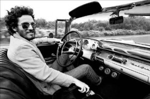Bruce Springsteen nella sua Chevy Meola del '57