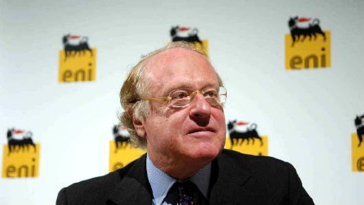 Paolo Scaroni (Vicenza, 28 novembre 1946) è amministratore delegato di Eni S.p.A. dal 1º giugno 2005