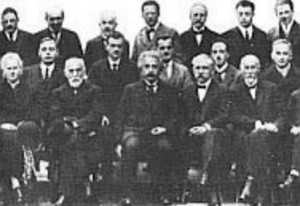 foto copertina Einstein Infeld evoluzione della fisica