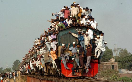 Treno-dei-pendolari-foto-tragicomica