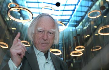 Denis Nobile, biologo britannico, nato nel 1936