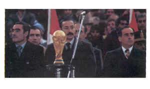 La Giunta militare argentina al gran completo: Raúl Massera (Marina), Jorge Rafael Videla (Esercito), Fernando Agosti (Aeronautica). Tre corvacci e una Coppa del Mondo.