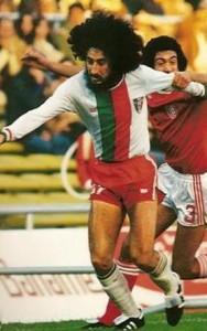 Questo bel ragazzone non è Vinicio Capossela, ma Arturo el duro Ayala.