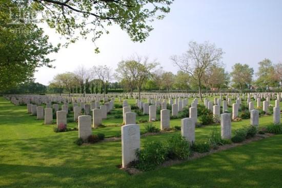 Il cimitero di guerra di Coriano raccoglie le salme di 1.940 soldati del Commonwealth