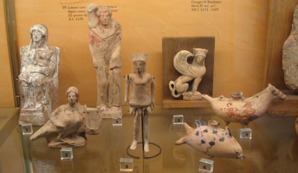 Statuette_greche,_secc__V-IV_a_C__-_Foto_G__Dall'Orto