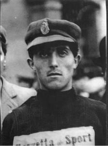 Donato Pavesi. Vincerà tutto tra gli anni dieci e venti nella marcia. Primatista mondiale nella 20km. Mancherà solo una medaglia olimpica.