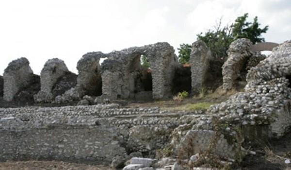 Telesia, anfiteatro.