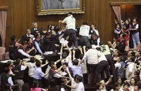 rissa in parlamento