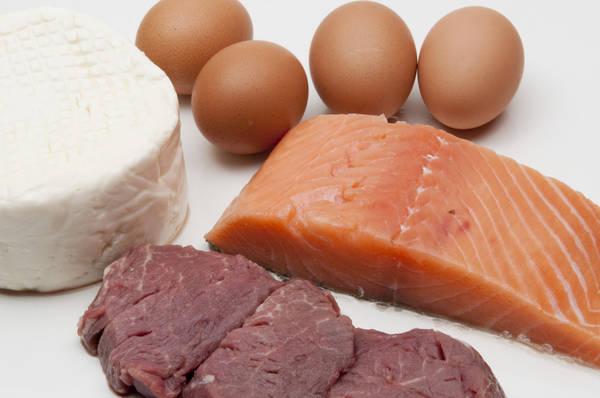Pesce, uova e latticini sono gli alimenti che più contengono vitamina D sono