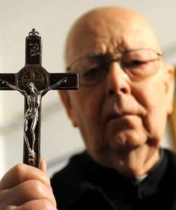 Anche l'esorcista. Padre Amorth.