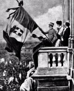 Il re appare sul balcone del Quirinale la sera del 21 maggio.