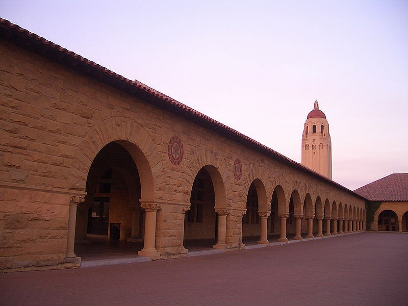 800px-Stanford_University_-_Hoover_Tower_2[1]