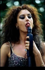 E Monica leccò il fucile