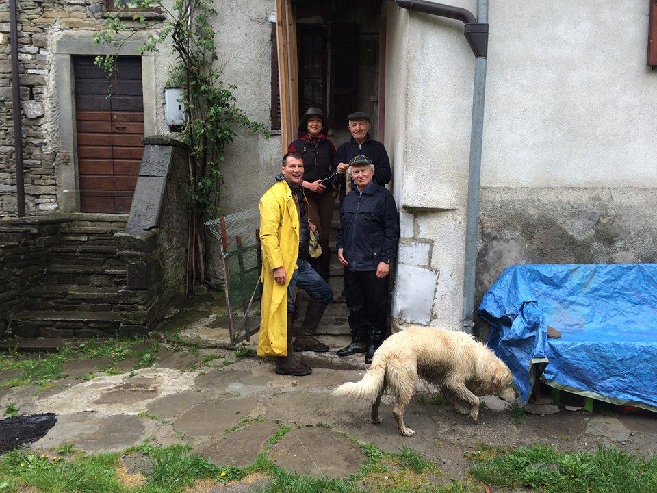 Prova: da bardi a Pontremoli con Lucia Strinati Paolo Milani, l'amico Vittorio e il cane REX.