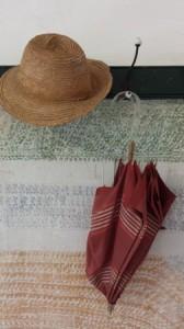 Accessori stravaganti nelle stanze di Clarice, con il fantastico ombrellino rosso. Anche lui ha quasi 200 anni