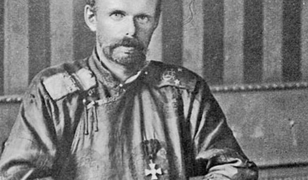Roman-Fiodorovitch-von-Ungern-Sternberg-en-habit-mongol