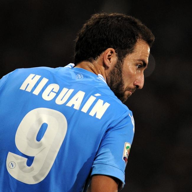 Gonzalo Higuaín (1987), argentino, è l'unico fuoriclasse rimasto in Serie A