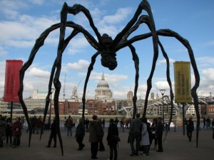 Louise Bourgeois - Maman - London Tate Gallery