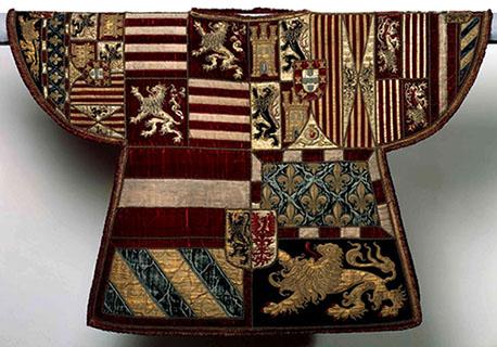 Cotta d'armi di Filippo II di Spagna con emblemi araldici