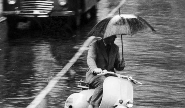 Vespa pioggia