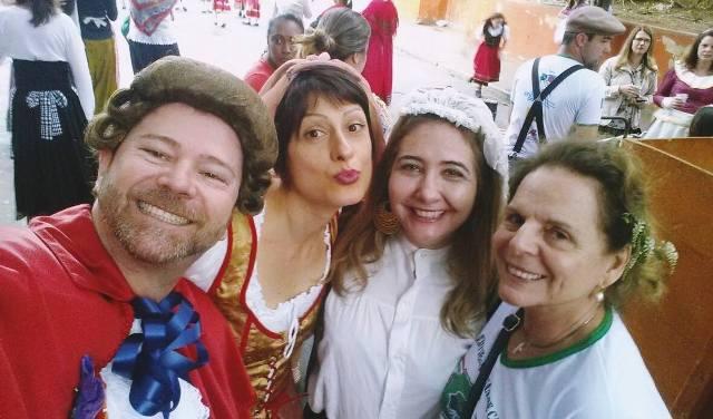 Foto di gruppo, da sinistrA: Gianduja Markin Lopes, io,  Adriana Mazzocco e il Presidente della SIC Regina Cele Perim Galvão