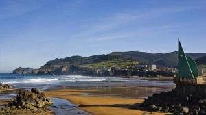 Bakio - Euskaddi  Non solo questo paese sull'Oceano Atlantico nel cuore dei Paesi Baschi è un posto magnifico, ma ci vive della gente meravigliosa. Io ci sono andato qualche anno fa, poi ci sono tornato altre cinque volte.