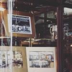 Le vetrine della Confeitaria Colombo, con i suoi 122 anni di storia, tentazioni, profumi e sapori irresistibili