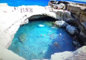 Piscina naturale a Roca Vecchia. Puglia