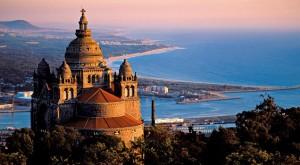 Metà del mio viaggio in Portogallo l'ho trascorsa a Viana do Castelo, La pasticcera mi teneva da parte le paste migliori.