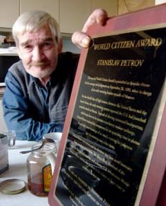 Stanislav-Petrov-World-Citizen-Award-