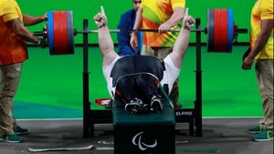 PARALIMPIADI-Sollevamento pesi