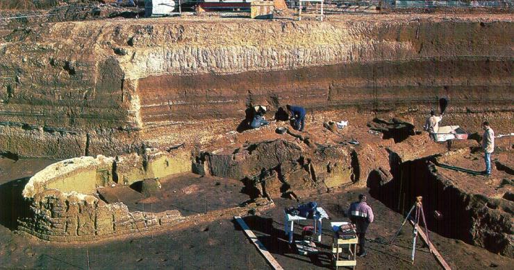 Il villaggio preistorico di Nola, risalente a 4.000 anni fa.