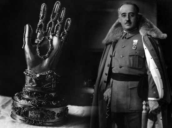 Francisco Franco con la mano di Santa Teresa d'Avila