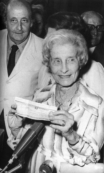 Fausta Cialente vince il Premio Strega