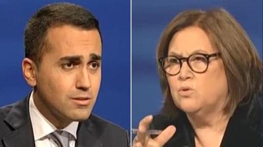 Durante l'intervista la conduttrice appare visibilmente scossa da alcune affermazioni del politico.