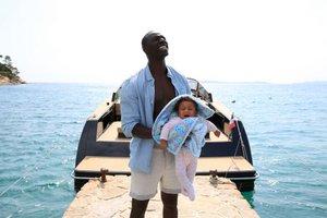 Sono un ragazzo padre, chiedo la carita' io sono un peccatore per questa societa'.