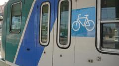 Le biciclette viaggiano gratis e noi italiani paghiamo il biglietto