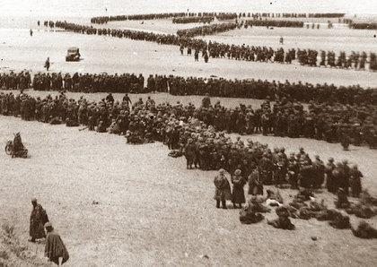 Dunkirk, giugno 1940, parte della lunghissima coda di 400.000 (quattrocentomila) soldati