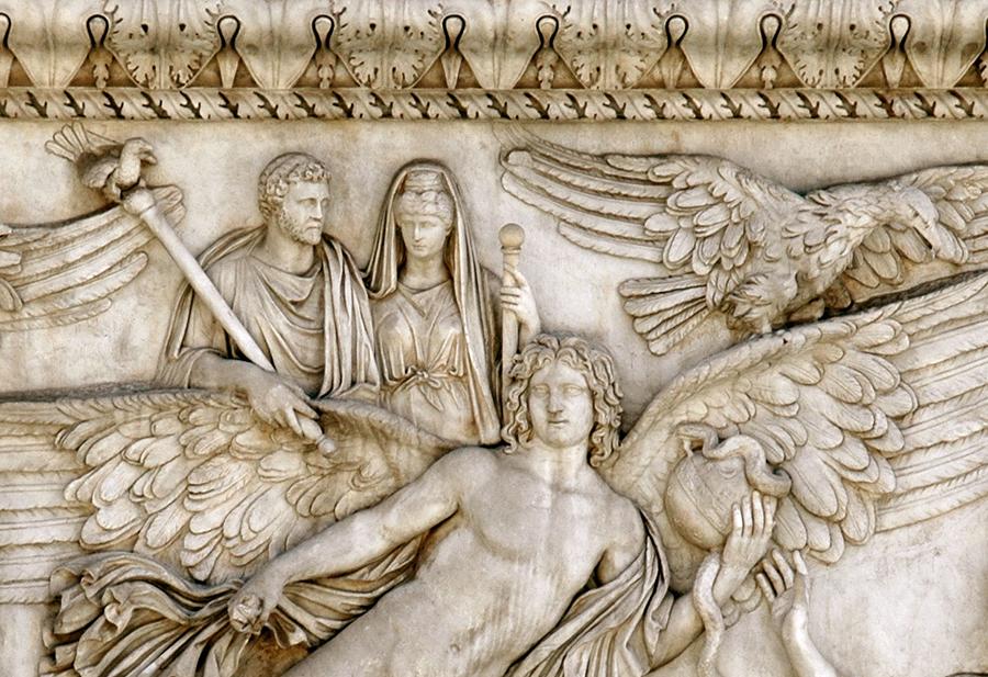 Antonino Pio e Faustina sulle ali del genio