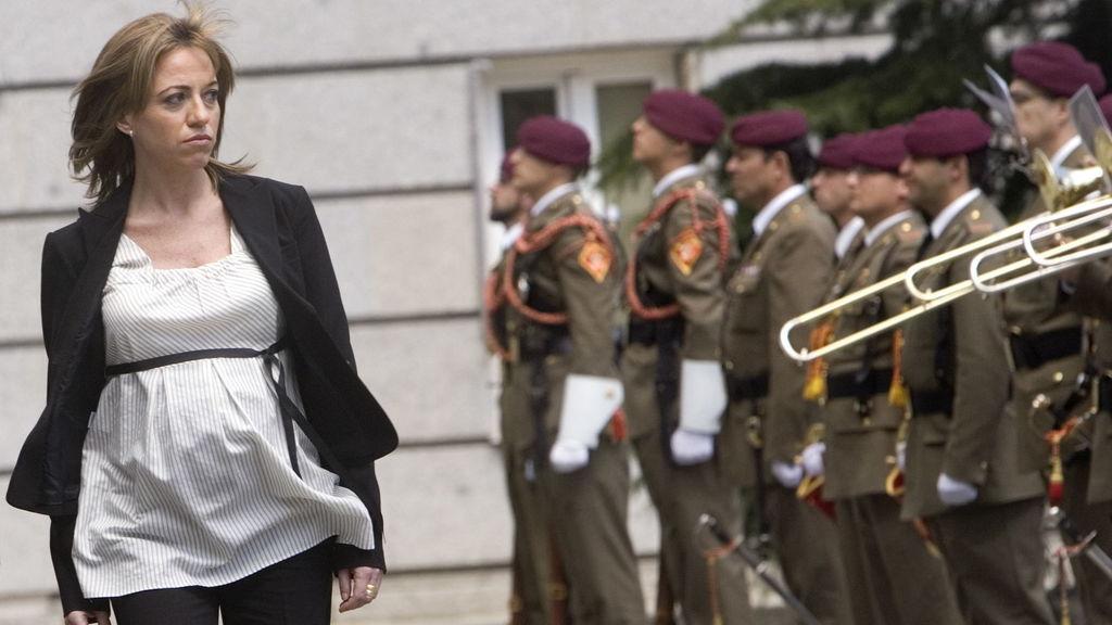 Carme Chacón (1971 – 2017) è stata ministro della Difesa del secondo governo Zapatero dal 2008 al 2011