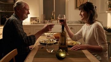 Un brindisi con la ex moglie, diventata ex anche se hai sempre vissuto con tanta cautela