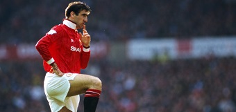 Eric Cantona è stato un genio del calcio e l'unica persona al mondo che può portare la polo col colletto alzato senza sembrare un coglione